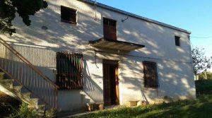 San Vito Chietino, località Foreste, casa singola con terreno