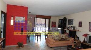 ORTONA Località Santa Lucia vendesi ampio appartamento con doppio garage