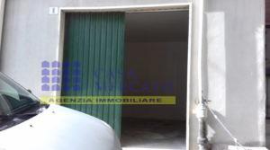 VENDESI MAGAZZINO GARAGE AL CENTRO DI ORTONA