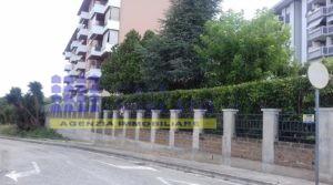 ORTONA VENDESI AMPIO APPARTAMENTO CON GARAGE
