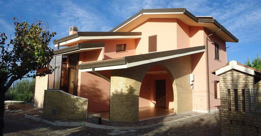 Ortona, affittasi appartamento in c.da San Donato