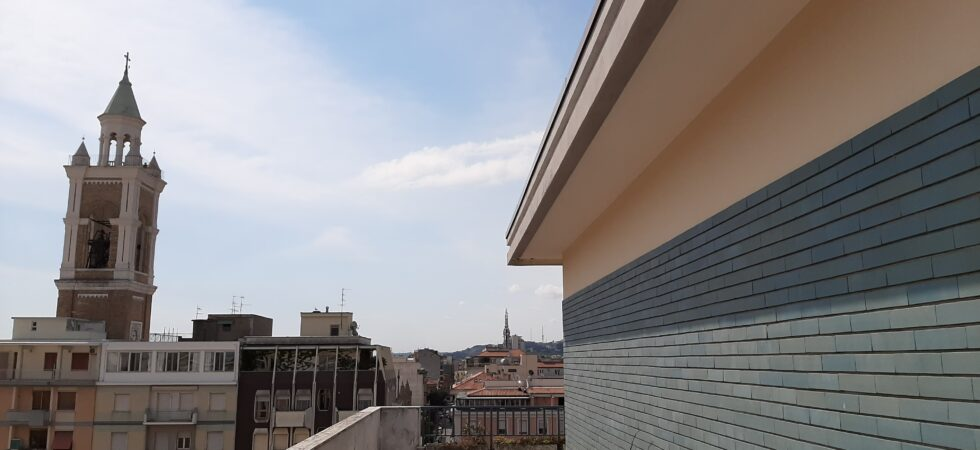 AFFITTASI CENTRO – ATTICO PIAZZA SACRO CUORE