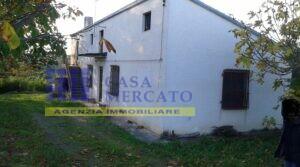 San Vito Chietino, località Foreste, vendesi casa singola con terreno
