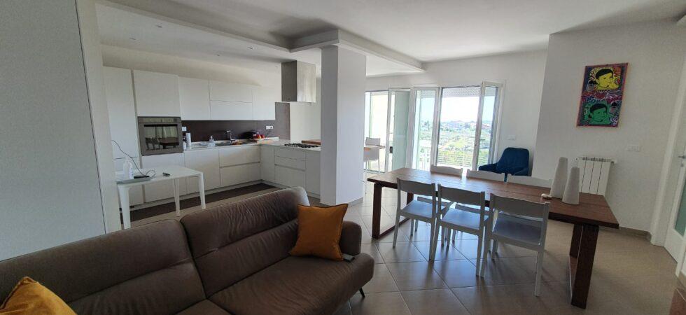 Appartamento pari al nuovo 108mq con garage