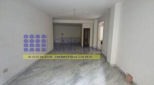 C.SO ROMA LOCALE COMMERCIALE 90MQ CON MAGAZZINO